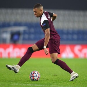kylian mbappe set to sign pre contract with real madrid reports