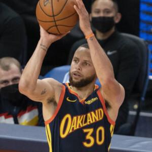 report stephen curry to sign four year 215 million extension with warriors
